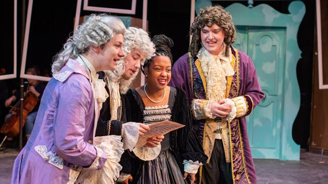 Students perform the marriage of Figaro